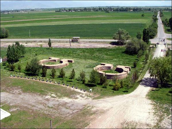 Буранинское городище. Останки мавзолеев