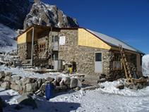 Ak-Sai Hut 3200 m,  3 rooms for 35 persons